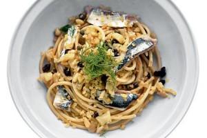 Pasta-con-le-Sarde-mediumThreeByTwo440